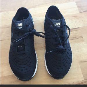 NWT New Balance women's crush tennis shoes